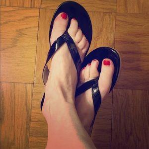 Nine West black patent flip flops 7.5